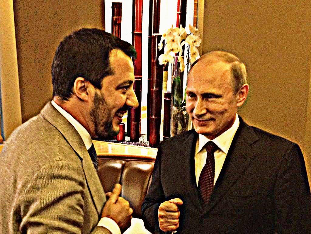 3b-Scambio-di-battute-tra-Matteo-Salvini-e-Vladimir-Putin-presso-un-incontro-a-Milano-1024x769.jpg